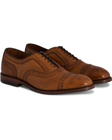 Allen Edmonds Strand Brogue Walnut i gruppen Sko / Brogues hos Care of Carl (10724611r)