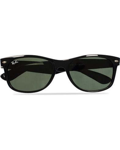 Ray-Ban New Wayfarer Sunglasses Black/Crystal Green  i gruppen Assesoarer / Solbriller / Runde solbriller hos Care of Carl (11948210)