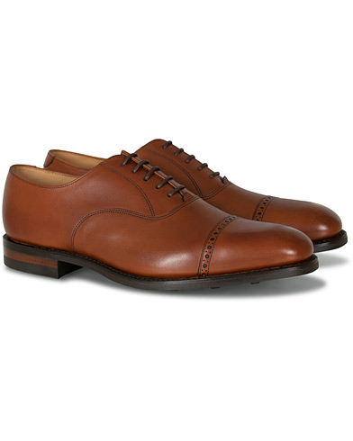 Loake 1880 Cadogan Oxford Mahogany Calf i gruppen Sko / Oxfords hos Care of Carl (12003011r)