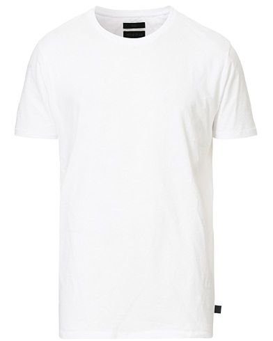 Tiger of Sweden Jeans Corey Solid Tee White i gruppen Klær / T-Shirts / Kortermede t-shirts hos Care of Carl (12430011r)
