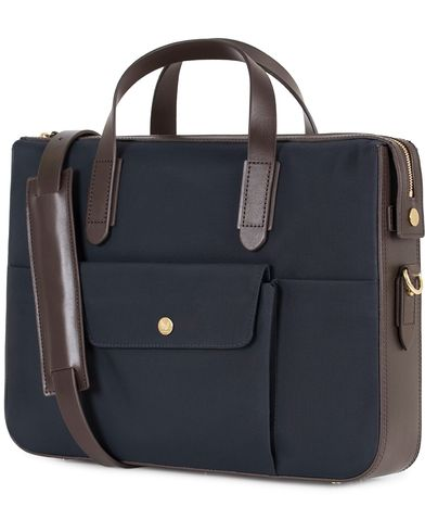 Mismo M/S Nylon Briefcase Navy/Dark Brown i gruppen Assesoarer / Vesker / Dokumentvesker hos Care of Carl (13241410)
