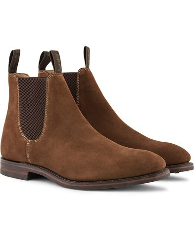 Loake 1880 Chatsworth Chelsea Boot Brown Suede i gruppen Sko / Støvler / Chelsea boots hos Care of Carl (13248311r)