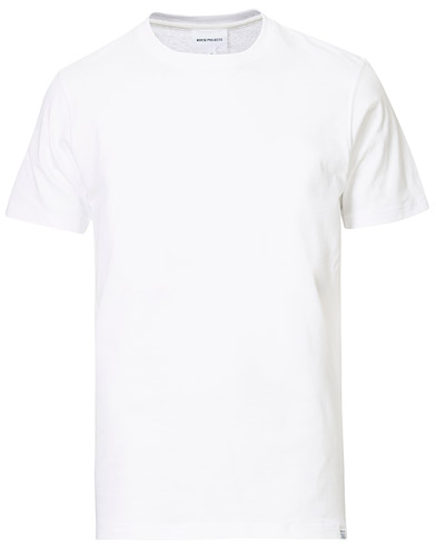 Norse Projects Niels Basic T-shirt White i gruppen Klær / T-Shirts / Kortermede t-shirts hos Care of Carl (13766411r)