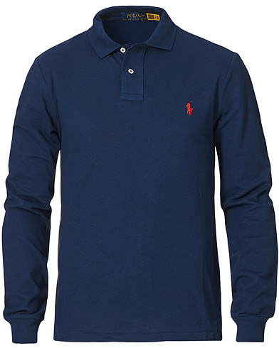 Polo Ralph Lauren Slim Fit Long Sleeve Polo Newport Navy i gruppen Klær / Pikéer / Langermet piké hos Care of Carl (14317011r)
