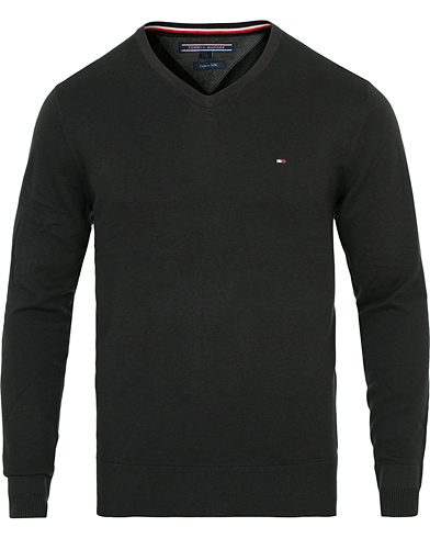 Tommy Hilfiger Cotton/Silk V-Neck Pullover Flag Black i gruppen Klær / Gensere / Pullovers v-hals hos Care of Carl (14336311r)