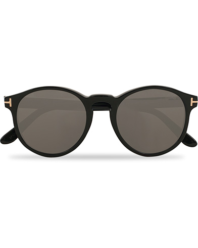 Tom Ford Ian FT0591 Sunglasses Shiny Black  i gruppen Assesoarer / Solbriller / Runde solbriller hos Care of Carl (14363710)