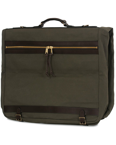 Filson Garment Bag Otter Green Canvas  i gruppen Assesoarer / Vesker / Dressposer hos Care of Carl (14880110)