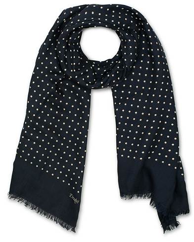Drake's Wool/Silk Classic Spot Scarf Navy/White  i gruppen Assesoarer / Scarves hos Care of Carl (14956710)
