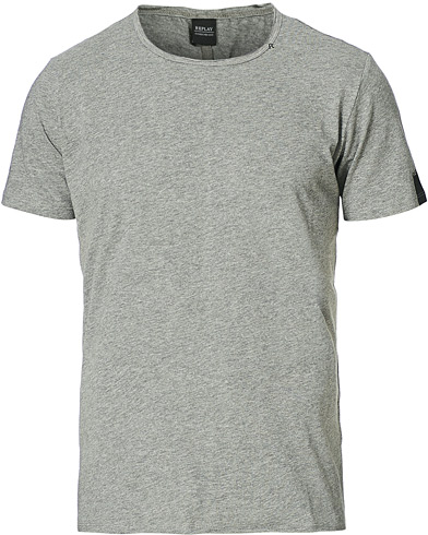 Replay Crew Neck Tee Grey i gruppen Klær / T-Shirts / Kortermede t-shirts hos Care of Carl (15039811r)