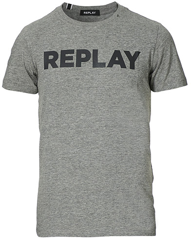 Replay Crew Neck Logo Tee Grey i gruppen Klær / T-Shirts / Kortermede t-shirts hos Care of Carl (15040611r)