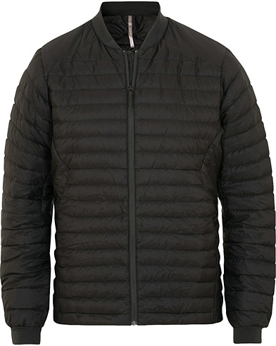 Arc'teryx Veilance Conduit Light Jacket Black i gruppen Klær / Jakker / Dunjakker hos Care of Carl (15173711r)