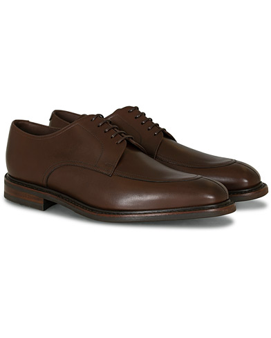 Loake 1880 Acton Split Toe Shadow Sole Derby Dark Brown Calf i gruppen Sko / Derbys hos Care of Carl (15350611r)
