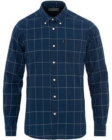 Barbour Lifestyle Tailored Fit Check Indigo 3 Shirt Mid Blue i gruppen Klær / Skjorter / Casual / Casual skjorter hos Care of Carl (15620911r)