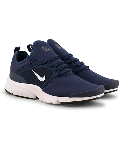 Nike Presto Fly Sneaker Navy i gruppen Sko / Sneakers / Running sneakers hos Care of Carl (15698911r)