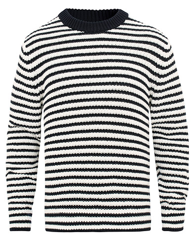 Filippa K Cotton Stripe Round Neck Sweater Navy/Off White i gruppen Klær / Gensere / Strikkede gensere hos Care of Carl (15699911r)