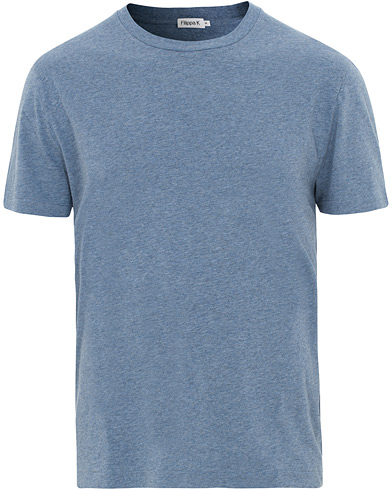 Filippa K Single Jersey Regular Tee Paris Blue Melange i gruppen Klær / T-Shirts / Kortermede t-shirts hos Care of Carl (15700211r)