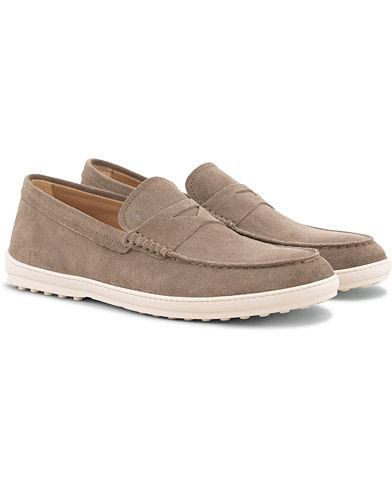 Tod's Moccassino Gomma Pennyloafer Taupe Suede i gruppen Sko / Loafers hos Care of Carl (15766011r)