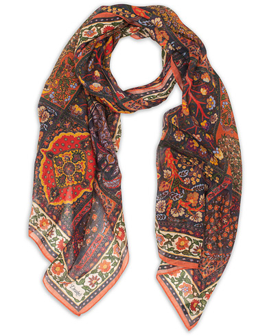 Drake's Cotton/Modal Patchwork Tapestry Scarf Navy  i gruppen Assesoarer / Scarves hos Care of Carl (15775710)