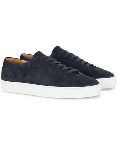 A Day's March Marching Sneaker Navy Suede i gruppen Sko / Sneakers hos Care of Carl (16010211r)