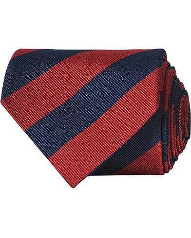 Amanda Christensen Regemental Stripe Classic Tie 8 cm Wine/Navy  i gruppen Assesoarer / Slips hos Care of Carl (16023110)