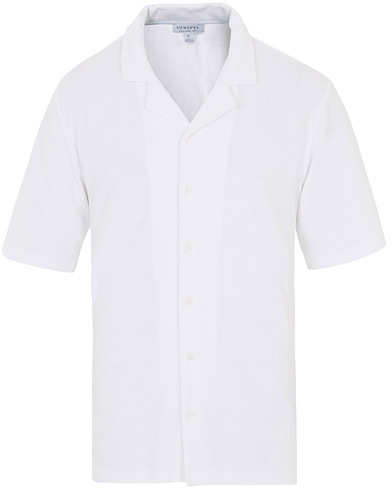 Sunspel Towelling Camp Collar Shirt White i gruppen Klær / Skjorter / Casual hos Care of Carl (16038011r)