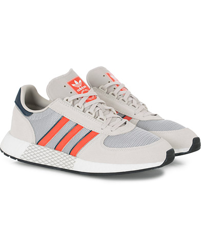 adidas Originals Marathon Tech Sneaker Raw White i gruppen Sko / Sneakers / Running sneakers hos Care of Carl (16219311r)