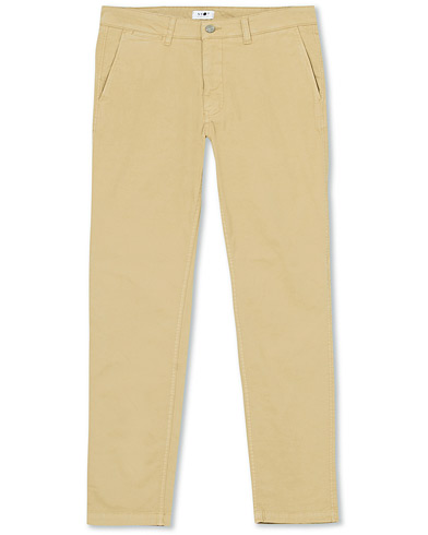 NN07 Marco Slim Fit Stretch Chinos Sand i gruppen Klær / Bukser / Chinos hos Care of Carl (16250811r)