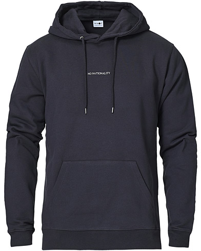 NN07 Barrow Printed Hoodie Navy Blue i gruppen Klær / Gensere / Hettegensere hos Care of Carl (16255911r)