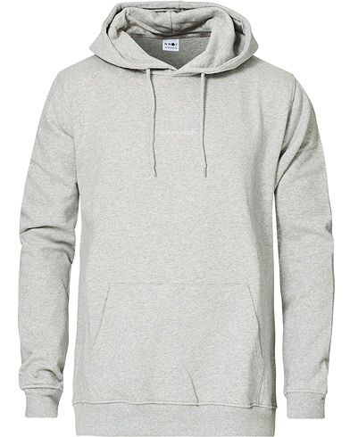 NN07 Barrow Printed Hoodie Light Grey Melange i gruppen Klær / Gensere / Hettegensere hos Care of Carl (16256011r)