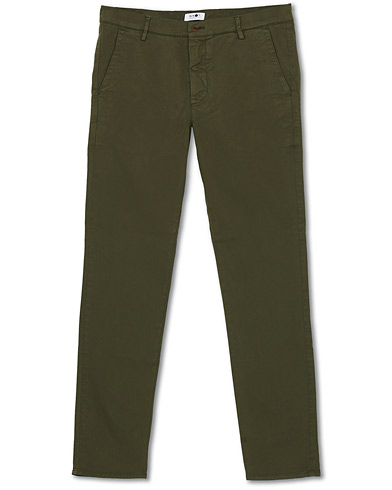 NN07 Joe Skinny Fit Stretch Chinos Army Green i gruppen Klær / Bukser / Chinos hos Care of Carl (16259511r)