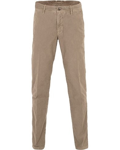 Incotex Regular Fit Garment Dyed Washed Slacks  Sand i gruppen Klær / Bukser / Chinos hos Care of Carl (16284611r)