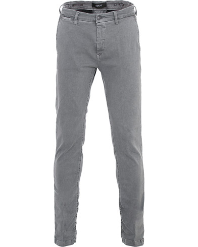 Replay Zeumar Hyperflex Chinos Iron Grey i gruppen Klær / Bukser / Chinos hos Care of Carl (16373511r)