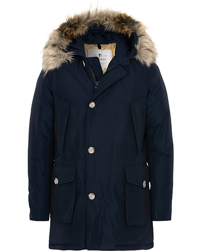 Woolrich Artic Parka Fake Fur Melton Blue i gruppen Klær / Jakker / Parkas hos Care of Carl (16437411r)
