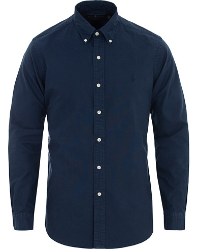 Polo Ralph Lauren Custom Fit Garment Dyed Oxford Shirt Newport Navy i gruppen Klær / Skjorter / Casual hos Care of Carl (16494511r)