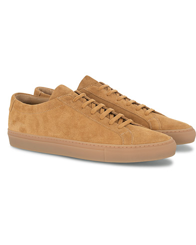 Common Projects Original Achilles Suede Sneaker Tan i gruppen Sko / Sneakers hos Care of Carl (16542811r)