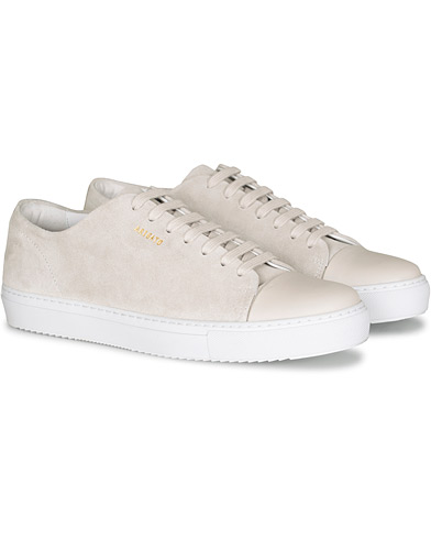 Axel Arigato Cap Toe Sneaker Off White Suede i gruppen Sko / Sneakers hos Care of Carl (16669611r)