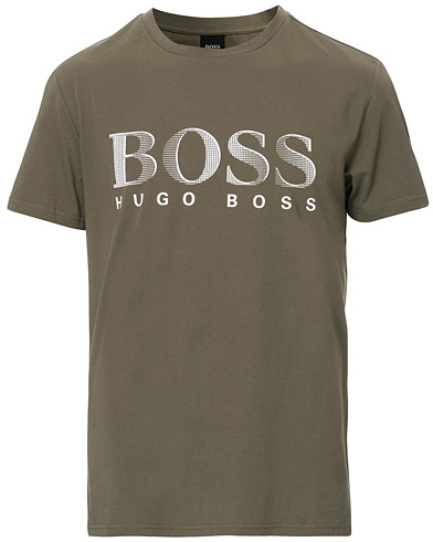 BOSS Sun Protection Tee Army i gruppen Klær / T-Shirts / Kortermede t-shirts hos Care of Carl (16962511r)