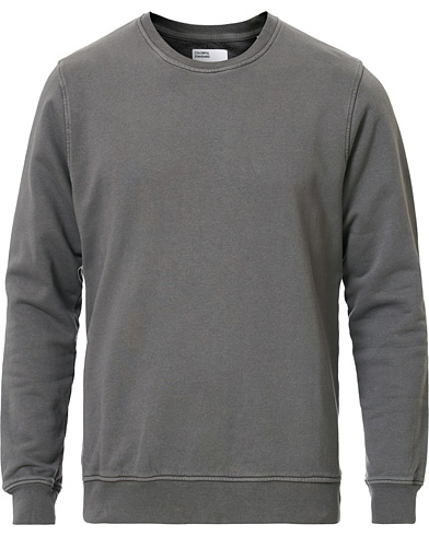 Colorful Standard Classic Organic Crew Neck Sweat Storm Grey i gruppen Klær / Gensere / Sweatshirts hos Care of Carl (16984311r)