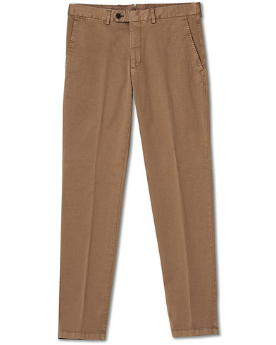 Oscar Jacobson Danwick Side Adjusters Chino Light Brown i gruppen Klær / Bukser / Chinos hos Care of Carl (17083111r)