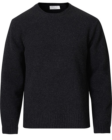 Tiger of Sweden Rennet Wool Crew Neck Pullover Charcoal Grey i gruppen Klær / Gensere / Strikkede gensere hos Care of Carl (19286511r)