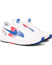 Nike Air Skylon Running Sneaker White hos CareOfCarl.no