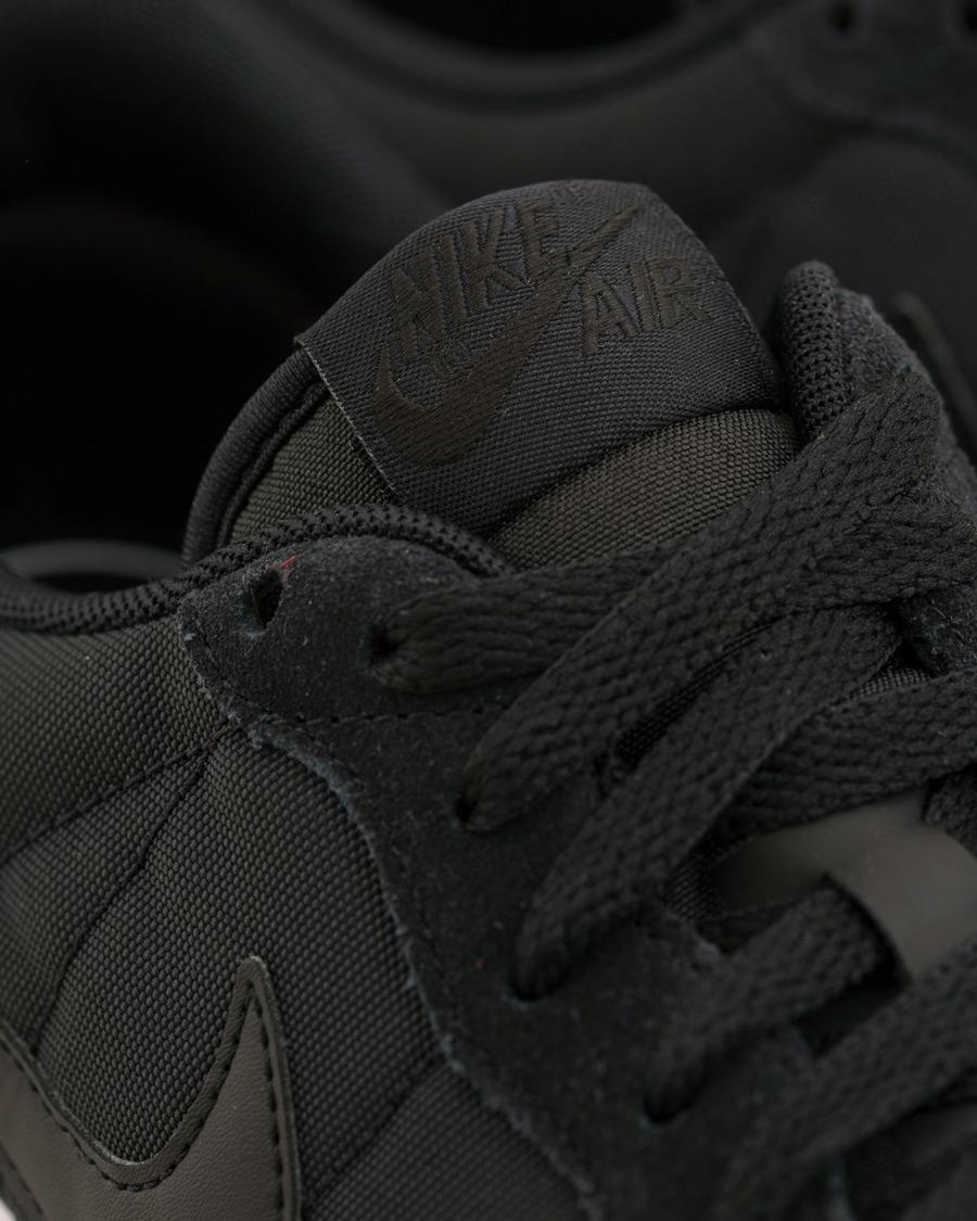 Nike Air Vortex Running Sneaker Black hos CareOfCarl.no