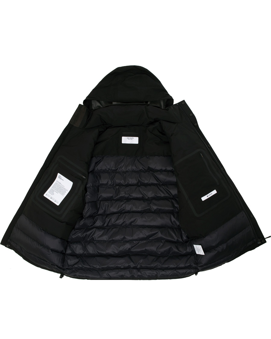 Norse Projects Ystad GORE TEX Down Jacket Black hos
