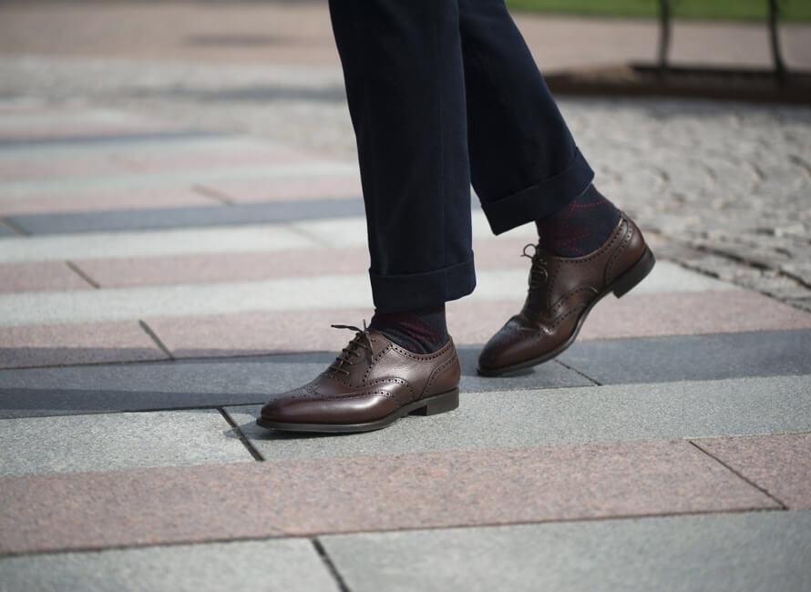 a34f9e6c Hvordan matcher man sokker med sko og bukser? | CareOfCarl.no