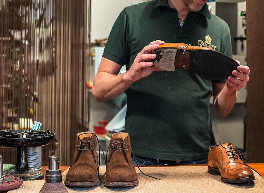 Når bør vi reparere skoene ???og når bør vi kjøpe nye